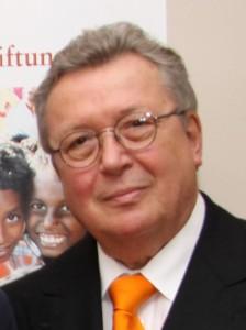 Vorsitzender Dr. Reinhold Festge